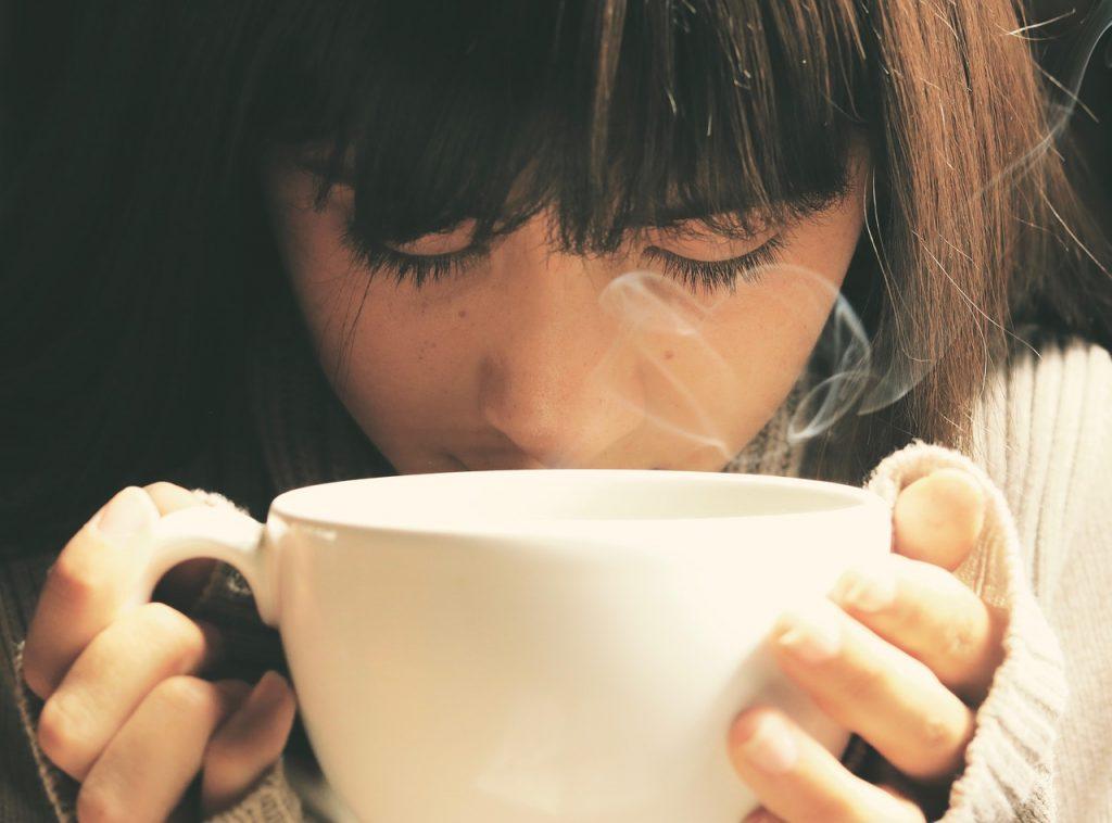 カフェイン 肌荒れ